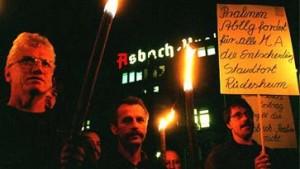 """Protest gegen Betriebsverlagerung: """"Asbach muss bleiben"""""""