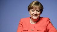 """Merkel zeigt sich offen für """"Ehe für alle"""""""