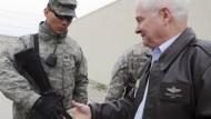 Robert Gates trifft am Montag amerikanische Soldaten in Kabul