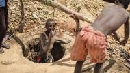 Schinderei und Kinderarbeit für kostbare Saphire