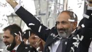 Protestführer Paschinjan ist Ministerpräsident