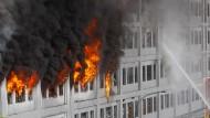 Vermisste in brennendem Lagerhaus in Lima