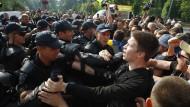 Zusammenstöße bei Protesten gegen LGBT-Marsch in Kiew