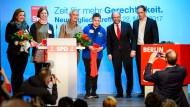 Schulz begrüßt Neumitglieder der Berliner SPD
