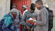 Flüchtlinge besetzen französisches Pfarrhaus