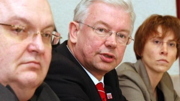 Koch ordnet Kabinett neu