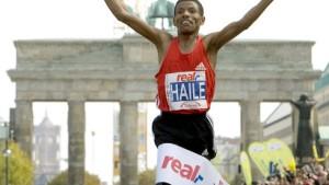 Haile Gebrselassie am Ziel: Weltrekord in Berlin