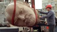 Kopf von Denkmal soll ausgebuddelt werden