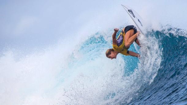 Profi-Surfer rocken Cloudbreak