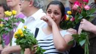 Menschen in London demonstrieren gegen Terror