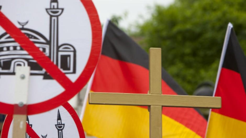 Islamkritik ist salonfähig geworden: Hier eine Demonstration von Pro-Köln-Anhängern am Rande des Anti-Islamisierungskongresses