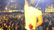 Enrique Iglesias verletzt sich an Drohne