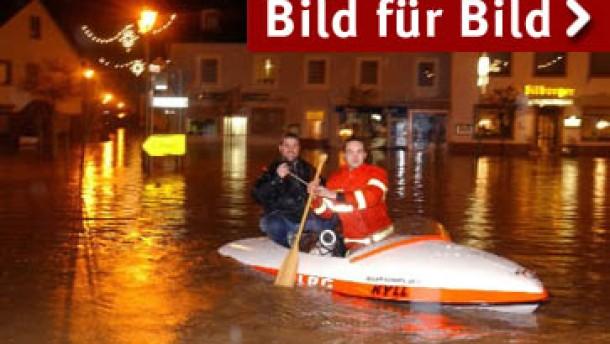 Auf den Orkan folgt das Hochwasser / Alarm an Elbe und Rhein