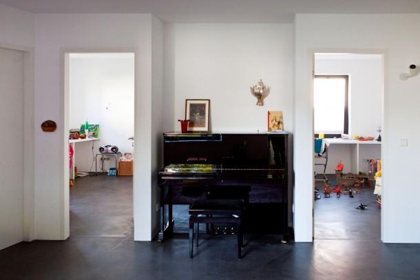 bilderstrecke zu neue h user 7 dunkle schale heller. Black Bedroom Furniture Sets. Home Design Ideas