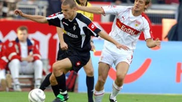 Strasser-Eigentor rettet VfB