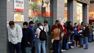 19.000 Arbeitslose konkurrieren um elf Festanstellungen
