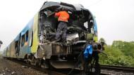 Zwei Tote nach Kollision mit Gülletransporter