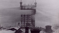 Dieser imposante Telefonmast in Stockholm war einst der zentrale Knotenpunkt der Telefonleitungen in Schweden. 5000 Kabel liefen dort zusammen zu einem sehenswerten Kabelgewirr.