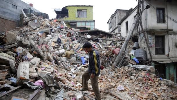 Earthquake Devastates Nepal, Killing More Than 1,900