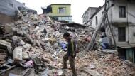 Mehr als 1900 Tote nach Erdbeben der Stärke 7,9 in Nepal