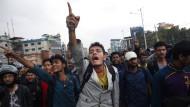 Erdbeben-Opfer protestieren gegen langsame Hilfe