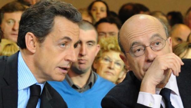 Sarkozy baut sein Kabinett schon wieder um