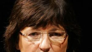Schmidt verspricht bessere Pflegeheime