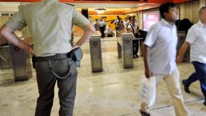 Offenbar Sprengsatz in U-Bahn gefunden