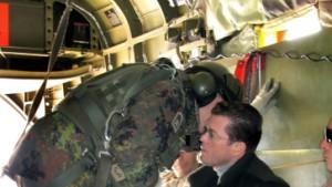 Guttenbergs Hubschrauber-Gruppe beschossen