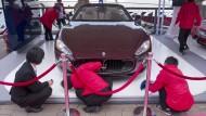 Warten auf einen Milliardär: Eine Luxus-Show im chinesischen Hainan