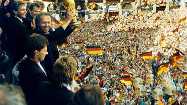 1990 - Wieder zusammen, aber (noch) nicht auf dem Platz