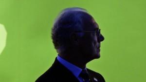 Beckenbauer verzichtet nach Fifa-Sperre auf WM-Reise