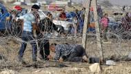 Sie schlachten Menschen ab, und die Türkei sieht zu