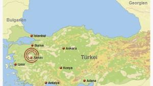 Mindestens drei Tote bei Erdbeben